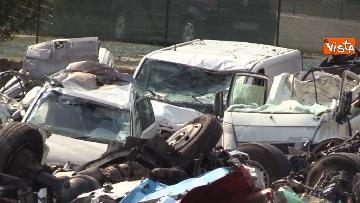 12 - Ponte Morandi, il cimitero delle auto coinvolte nel crollo