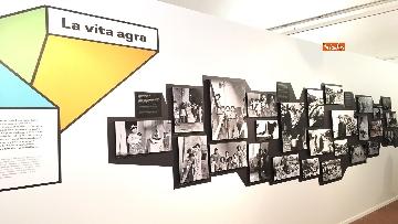 13 - 'Dreamers. 1968' Le immagini della mostra organizzata dall'AGI