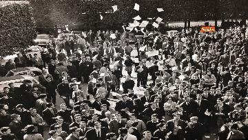 19 - 'Dreamers. 1968' Le immagini della mostra organizzata dall'AGI