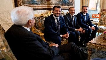 2 - Mattarella accoglie la delegazione della Lega guidata da Salvini