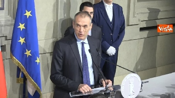 1 - Cottarelli rinuncia a incarico di Premier