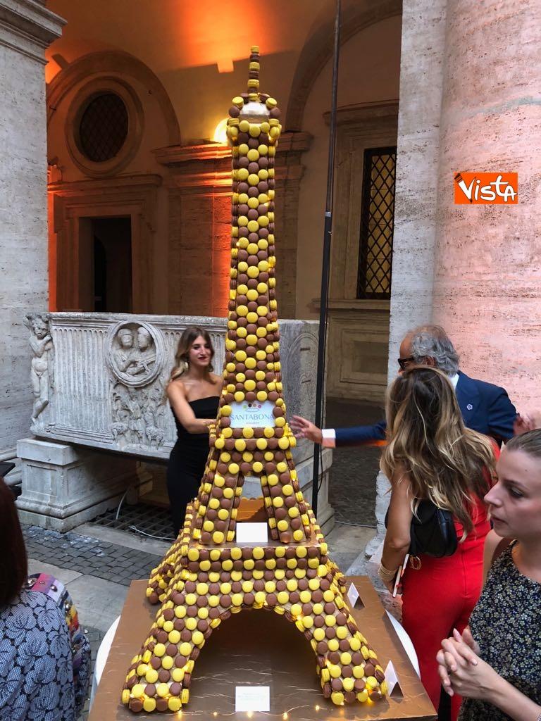 14-07-18 14 Luglio all'Ambasciata francese, nel cortile risuona l'Inno di Mameli_11