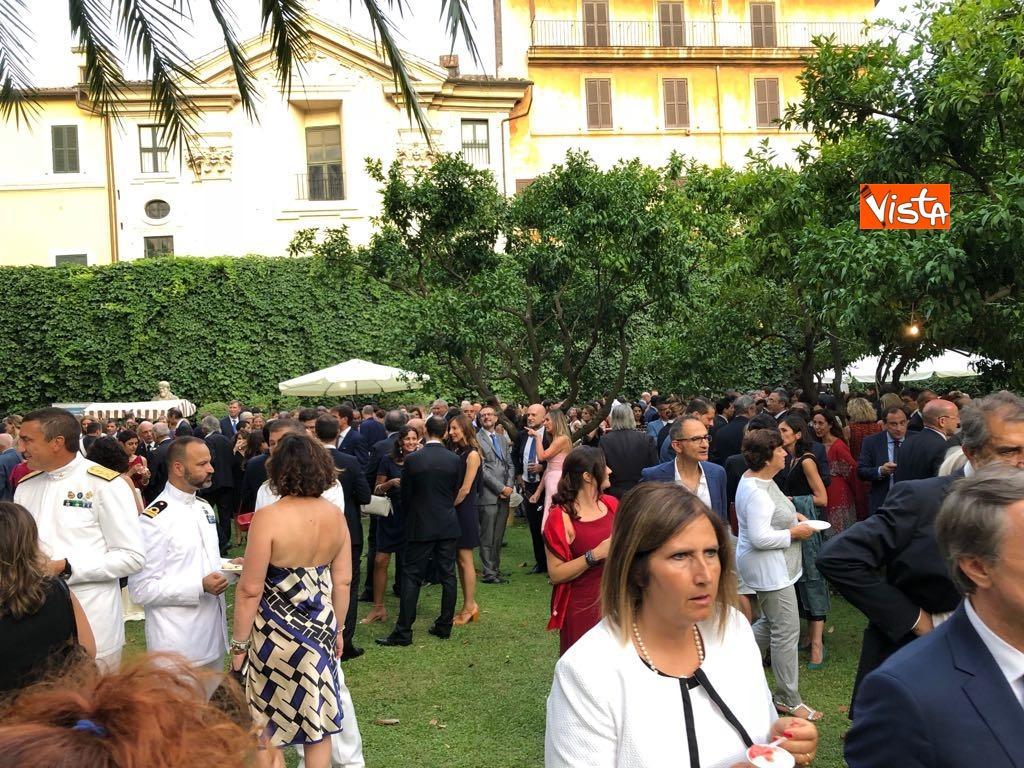 14-07-18 14 Luglio all'Ambasciata francese, nel cortile risuona l'Inno di Mameli_06