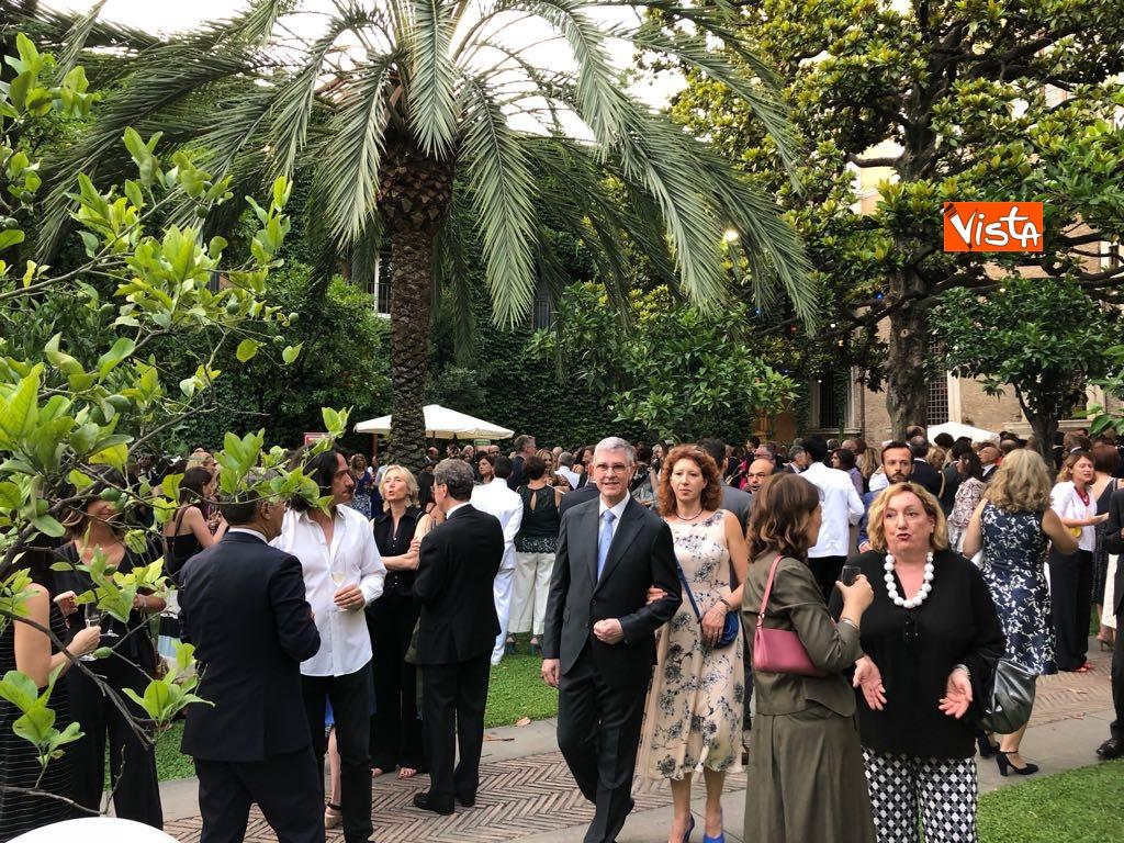 14-07-18 14 Luglio all'Ambasciata francese, nel cortile risuona l'Inno di Mameli_07