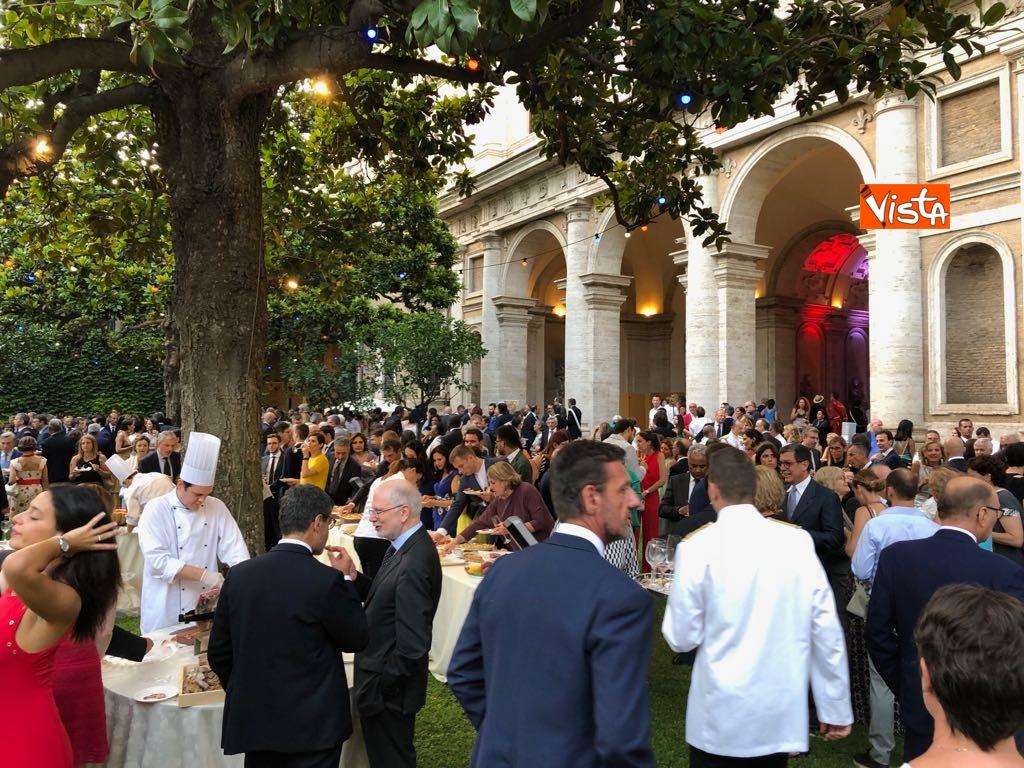 14-07-18 14 Luglio all'Ambasciata francese, nel cortile risuona l'Inno di Mameli_10