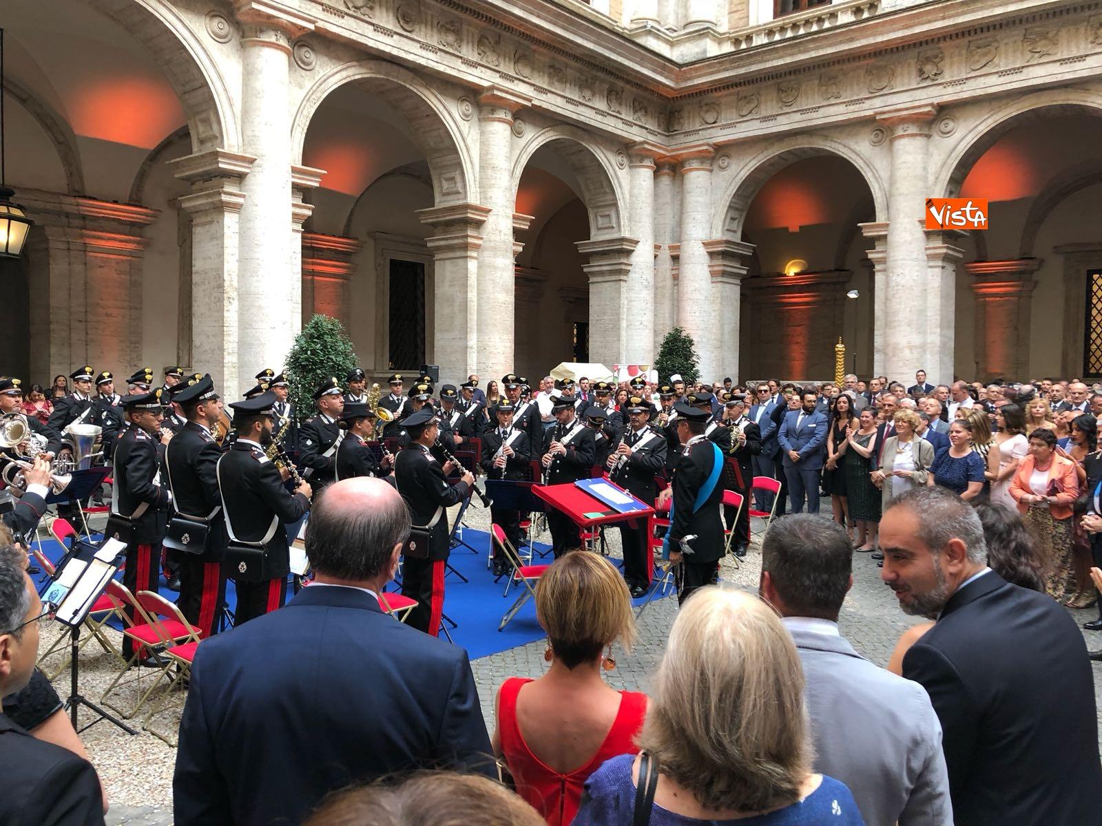 14-07-18 14 Luglio all'Ambasciata francese, nel cortile risuona l'Inno di Mameli_05