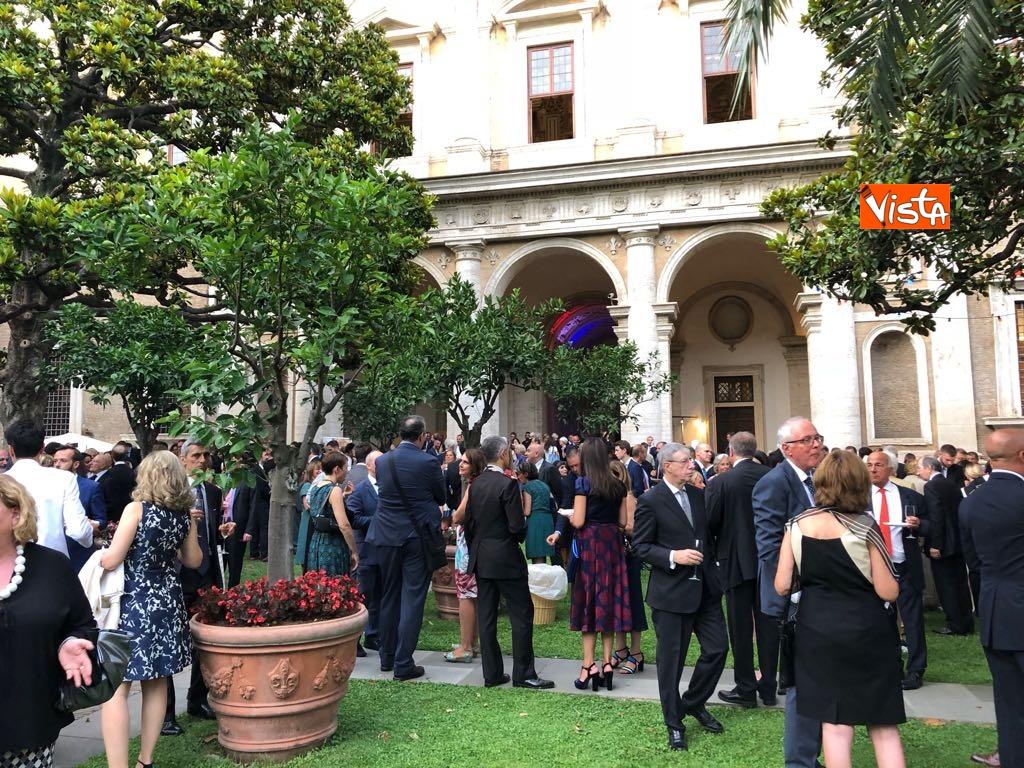 14-07-18 14 Luglio all'Ambasciata francese, nel cortile risuona l'Inno di Mameli_08