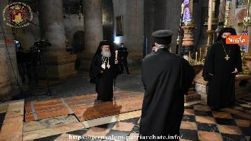 7 - Pasqua ortodossa, il rito del fuoco sacro al Santo Sepolcro di Gerusalemme