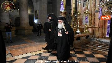 6 - Pasqua ortodossa, il rito del fuoco sacro al Santo Sepolcro di Gerusalemme