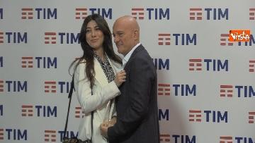 2 - La photocall con Bisio, V. Raffaele e Claudio Baglioni dopo la terza serata del Festival di Sanremo