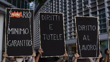 6 - Flash mob dei lavoratori dello spettacolo a Milano, le immagini del presidio