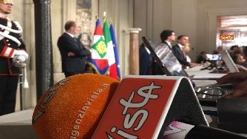 5 - Di Maio guida la delegazione M5s al Quirinale con Toninelli e Giulia Grillo