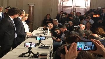 11 - Di Maio guida la delegazione M5s al Quirinale con Toninelli e Giulia Grillo