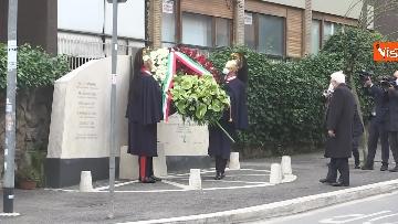 4 - Rapimento Moro, Mattarella rende omaggio alla lapide di Via Fani. Le immagini