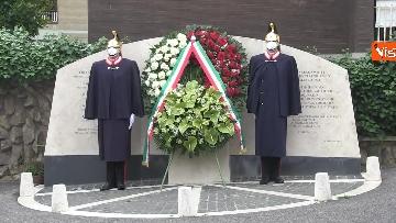 12 - Rapimento Moro, Mattarella rende omaggio alla lapide di Via Fani. Le immagini