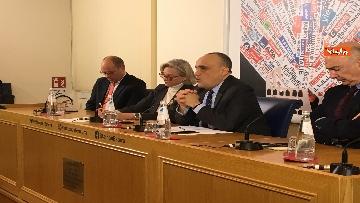 8 - Bonisoli in conferenza stampa alla sede romana della stampa estera, immagini