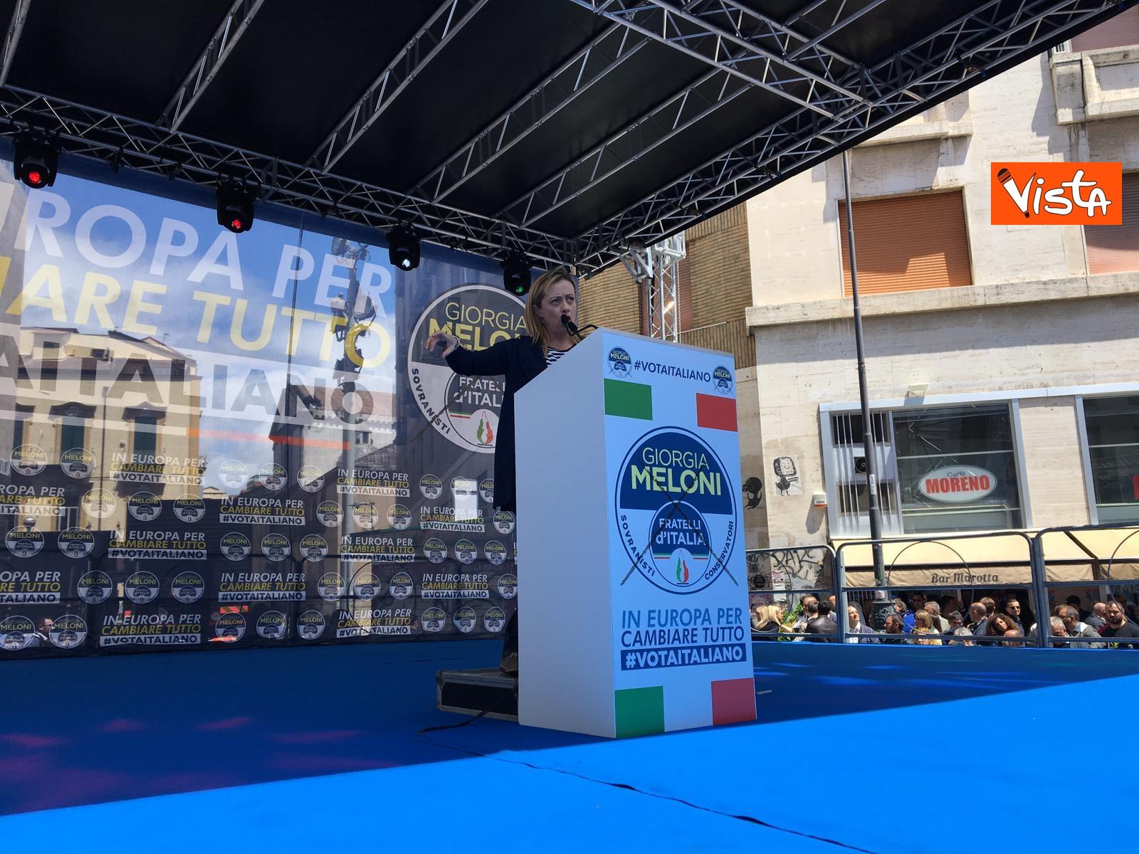 19-05-19 Europee Meloni a Napoli piazza gremita di gente per il comizio della leader di FdI_08