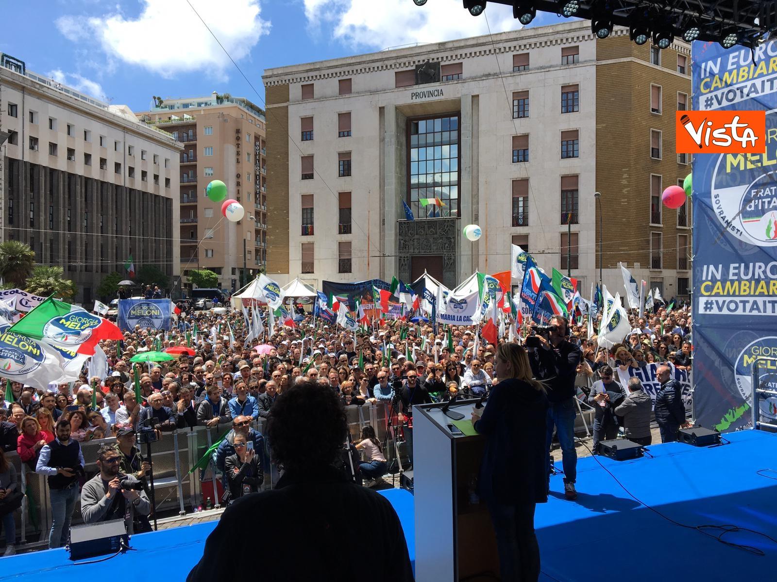 19-05-19 Europee Meloni a Napoli piazza gremita di gente per il comizio della leader di FdI_06