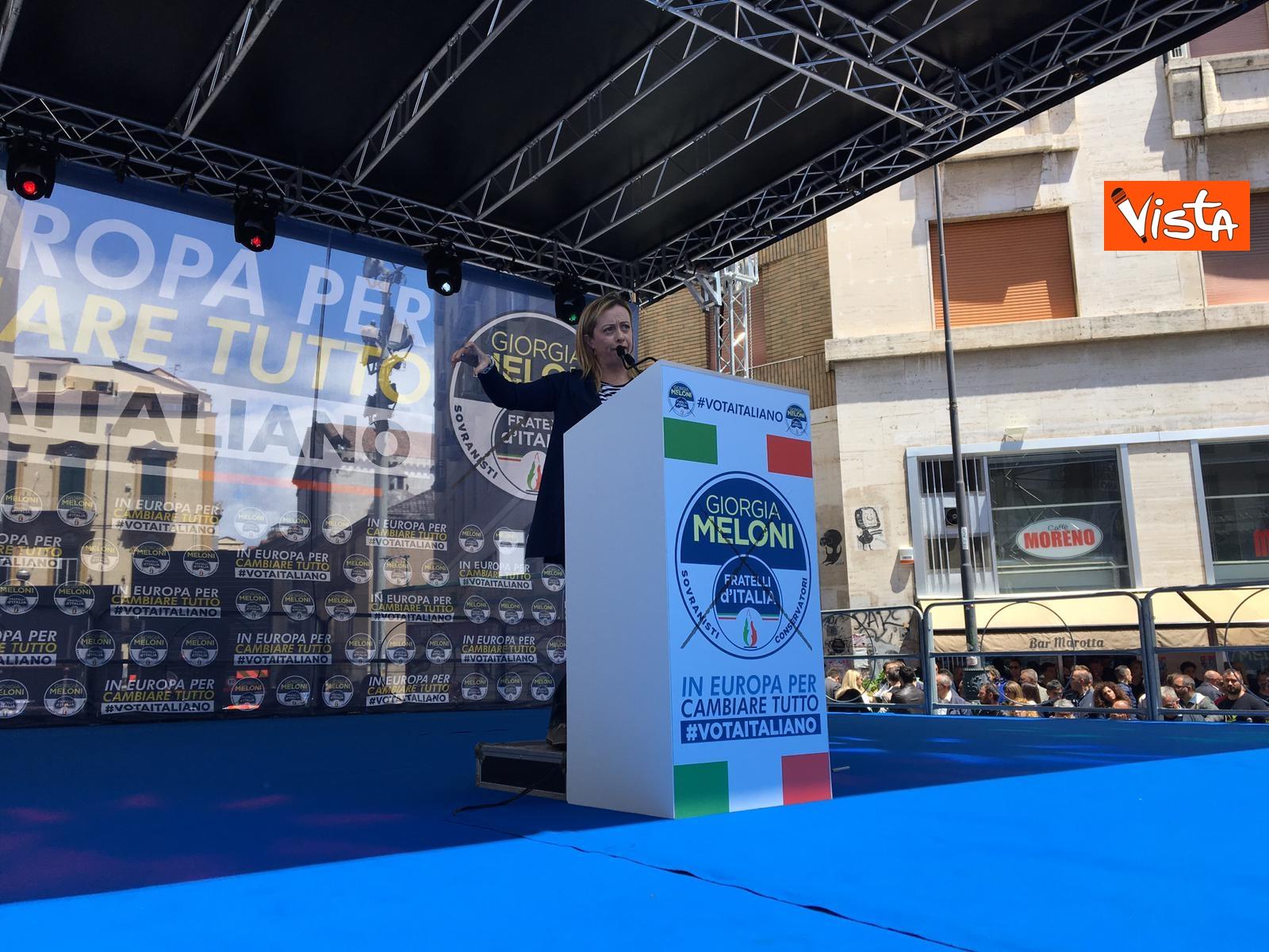 19-05-19 Europee Meloni a Napoli piazza gremita di gente per il comizio della leader di FdI_09