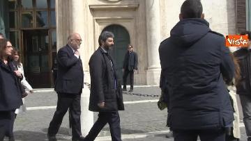 2 - Roberto Fico raggiunge il Quirinale a piedi