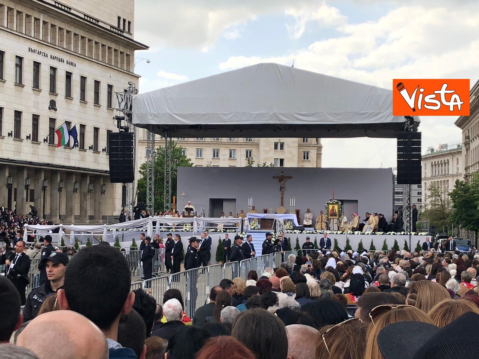 05-05-19 Papa Francesco celebra Santa Messa a Sofia_05