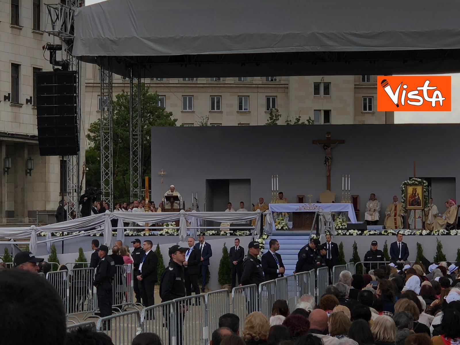 05-05-19 Papa Francesco celebra Santa Messa a Sofia_06