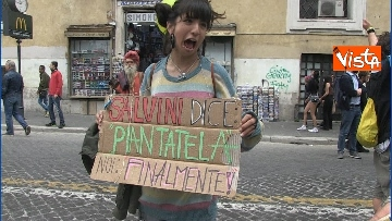 8 - Million marijuana march, il corteo per la legalizzazione della cannabis per le strade di Roma