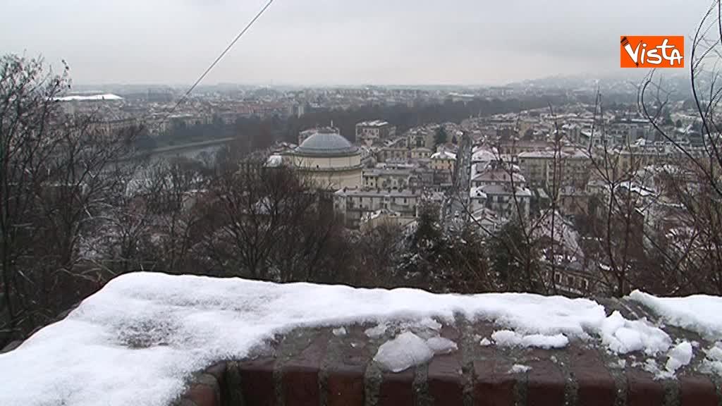 23-02-18 Torna il freddo, e la neve imbianca Torino_16