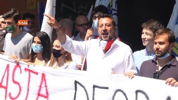 """3 - Salvini in periferia a Milano: """"Violenza sessuale apice di questo degrado"""""""