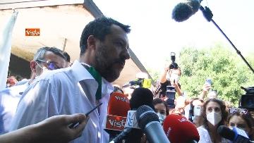 """2 - Salvini in periferia a Milano: """"Violenza sessuale apice di questo degrado"""""""