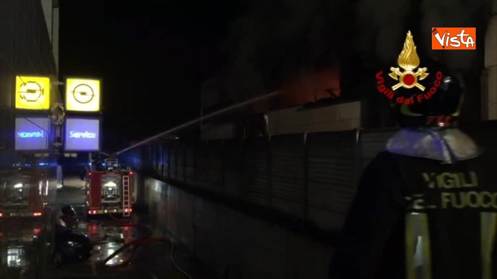 07-04-18 Incendio a San Donato Milanese immagini intervento vigili nella fabbrica 00_392801593951502636117