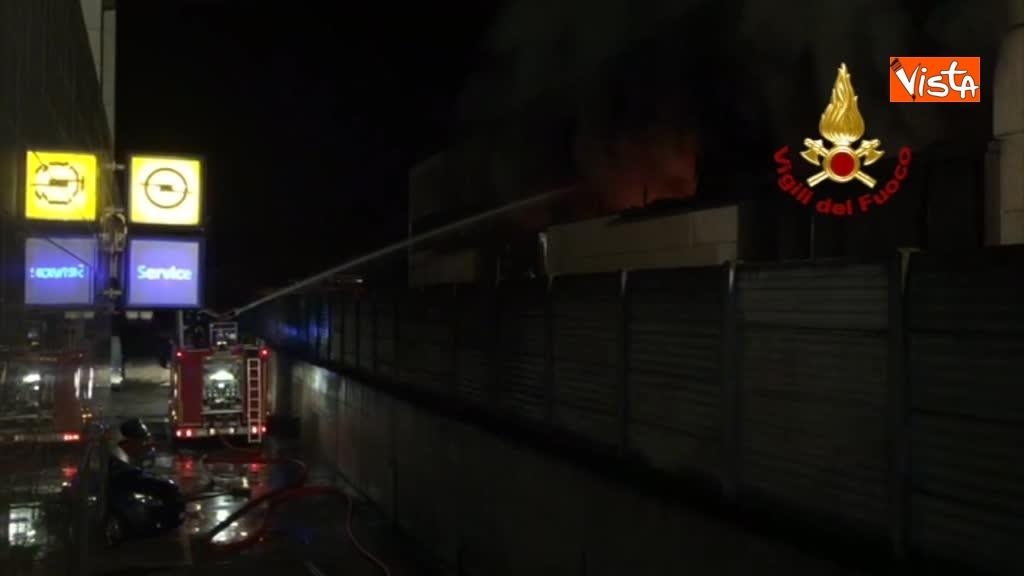 07-04-18 Incendio a San Donato Milanese immagini intervento vigili nella fabbrica 00_397157951597725059623