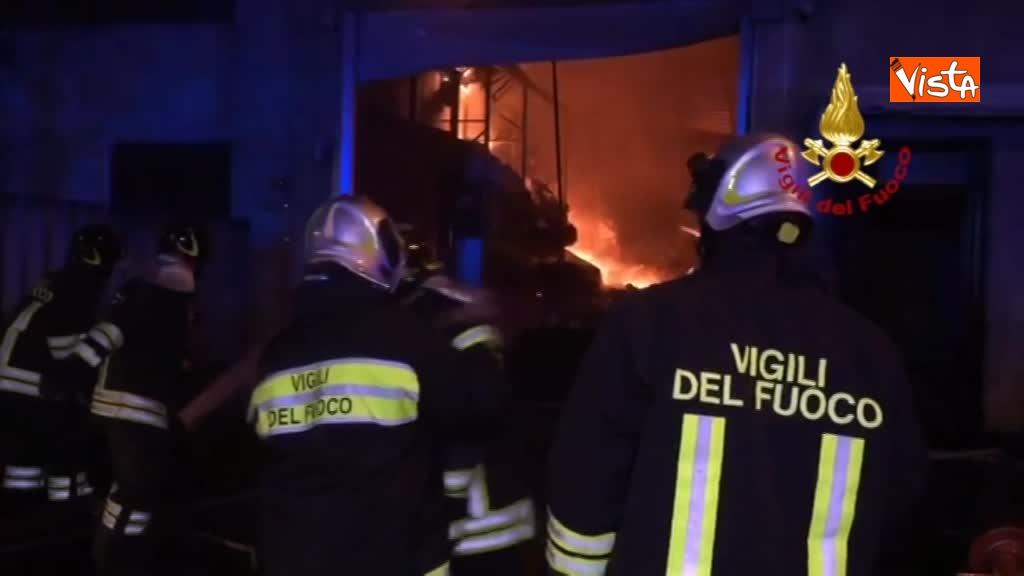 07-04-18 Incendio a San Donato Milanese immagini intervento vigili nella fabbrica 00_393962313892179105606