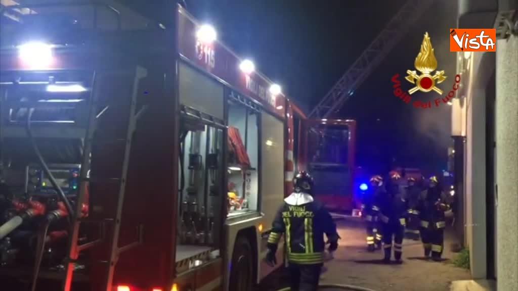 07-04-18 Incendio a San Donato Milanese immagini intervento vigili nella fabbrica 00_392784116061600419940