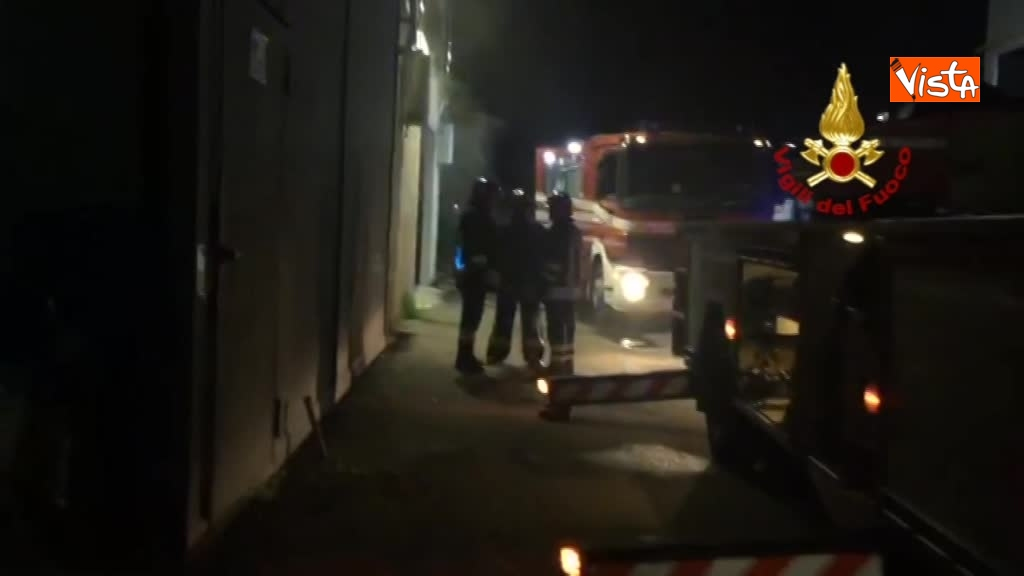 07-04-18 Incendio a San Donato Milanese immagini intervento vigili nella fabbrica 00_396520651754268695438