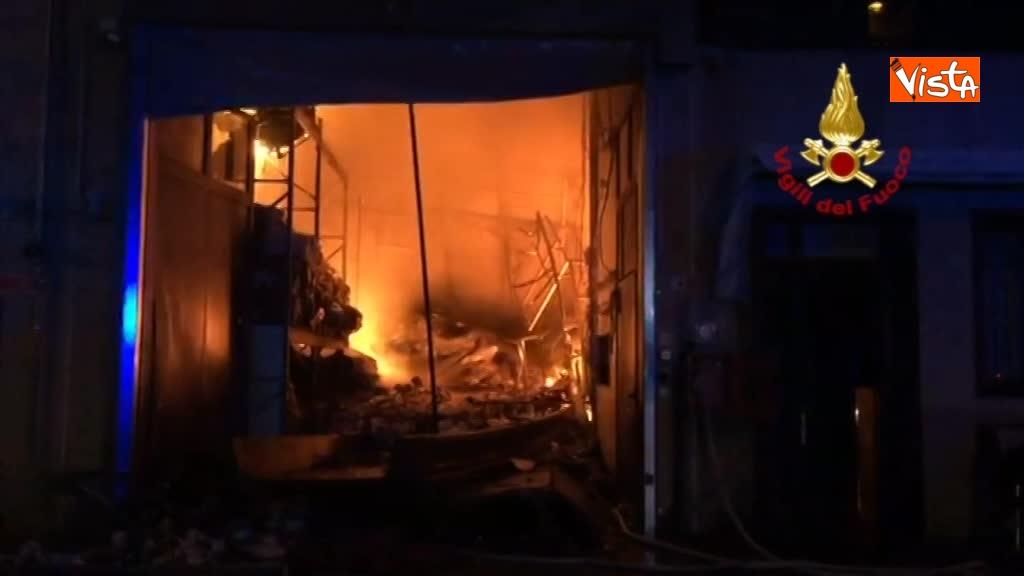 07-04-18 Incendio a San Donato Milanese immagini intervento vigili nella fabbrica 00_398444754703010475371