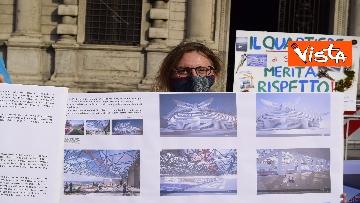 1 - Nuovo stadio Milano, Flash Mob comitati cittadini a Palazzo Marino, le immagini del presidio