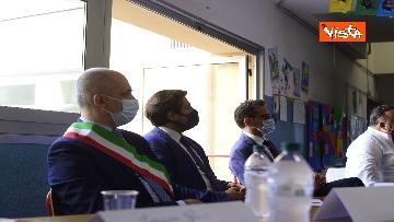 """8 - Nasce il progetto """"Carugo"""" per la riapertura in sicurezza a settembre della scuola, lo speciale"""