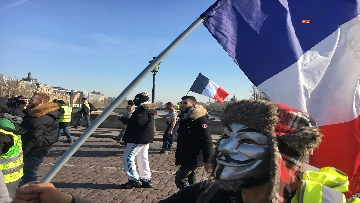 17 - Gilet Gialli sfilano agli Champs Elysee per la 14esima settimana di mobilitazione consecutiva