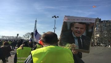 9 - Gilet Gialli sfilano agli Champs Elysee per la 14esima settimana di mobilitazione consecutiva