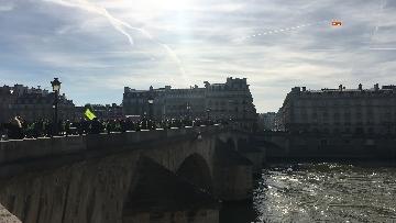 19 - Gilet Gialli sfilano agli Champs Elysee per la 14esima settimana di mobilitazione consecutiva