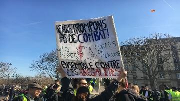 11 - Gilet Gialli sfilano agli Champs Elysee per la 14esima settimana di mobilitazione consecutiva