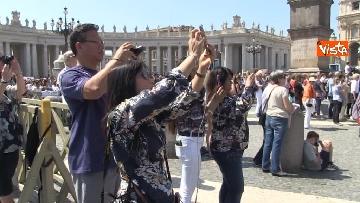 4 - Papa Francesco nel Regina Coeli della domenica
