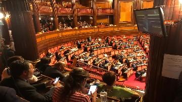 2 - Banchi M5s vuoti mentre Conte parla del Russiagate in Aula al Senato