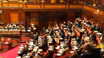 12 - Banchi M5s vuoti mentre Conte parla del Russiagate in Aula al Senato