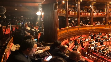 9 - Banchi M5s vuoti mentre Conte parla del Russiagate in Aula al Senato