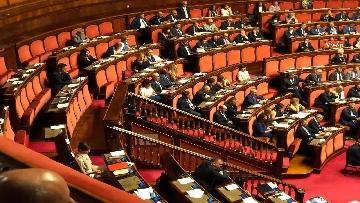 11 - Banchi M5s vuoti mentre Conte parla del Russiagate in Aula al Senato
