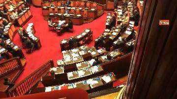 13 - Banchi M5s vuoti mentre Conte parla del Russiagate in Aula al Senato