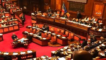 8 - Banchi M5s vuoti mentre Conte parla del Russiagate in Aula al Senato