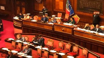 7 - Banchi M5s vuoti mentre Conte parla del Russiagate in Aula al Senato
